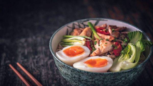 Thinpo - Japon Mutfağı: Tavuklu, Sebzeli Ramen Tarifi