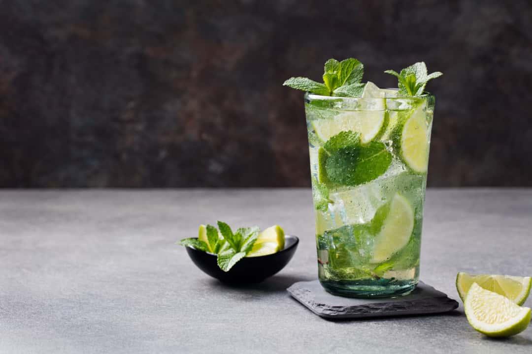 Thinpo - 10 Egzotik Kokteyl Tarifi: Tropikal Lezzetleri Evinize Taşıyın